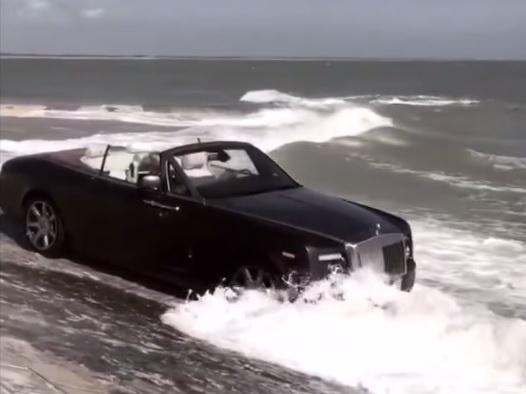 Tha Rolls-Royce nua trieu do xuong bien hinh anh