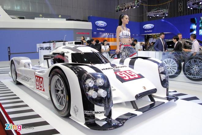 Mo hinh Porsche 919 Hybrid gia hon 100.000 USD hinh anh 1