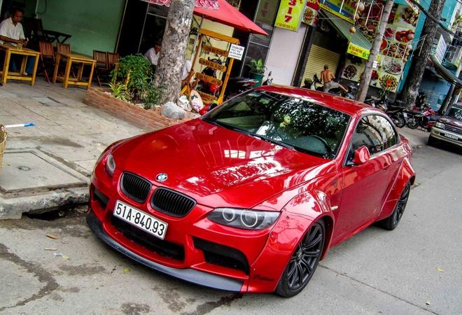 BMW 335i mui xep do than rong o Sai Gon hinh anh