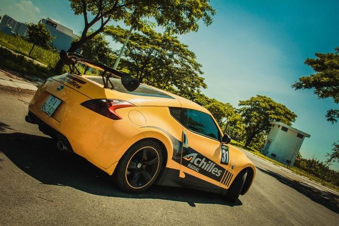 Xe the thao Nissan 370Z do canh gio soi carbon o Sai Gon hinh anh 2