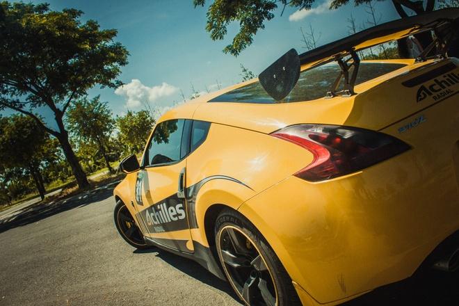 Xe the thao Nissan 370Z do canh gio soi carbon o Sai Gon hinh anh 3