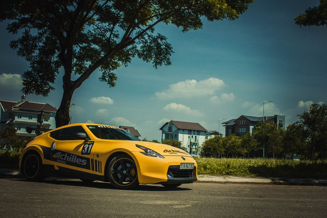 Xe the thao Nissan 370Z do canh gio soi carbon o Sai Gon hinh anh 5