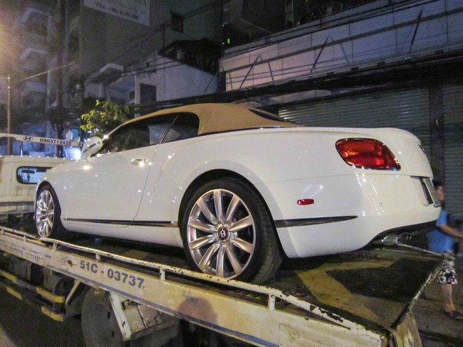 Bentley Continental GTC 2013 dau tien ra bien tai Viet Nam hinh anh