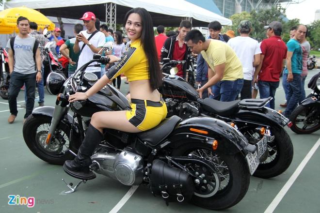 Dan chan dai tai Vietnam Motorbike Festival 2015 hinh anh 10