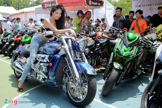 Dan chan dai tai Vietnam Motorbike Festival 2015 hinh anh 9