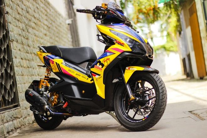 Honda Air Blade len do choi hang hieu cua biker Sai Gon hinh anh