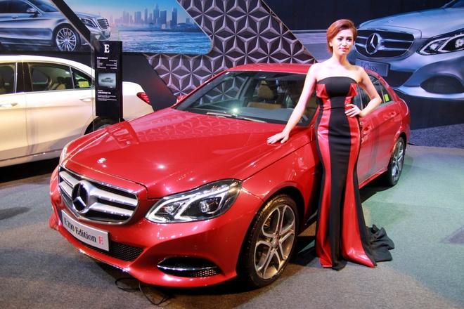 Dan xe Mercedes trieu do trung bay tai Ha Noi hinh anh