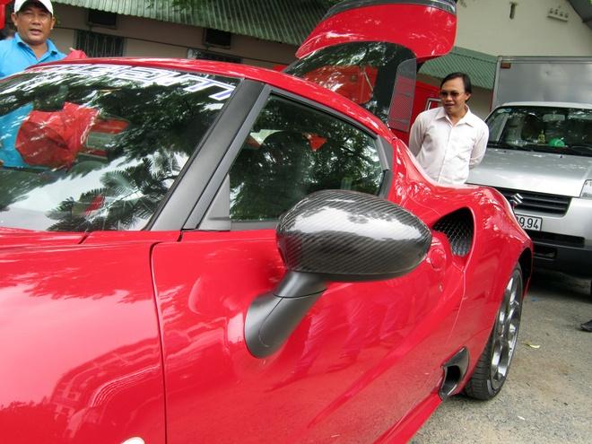 Alfa Romeo 4C Launch Edition doc nhat VN ra bien trang hinh anh 4