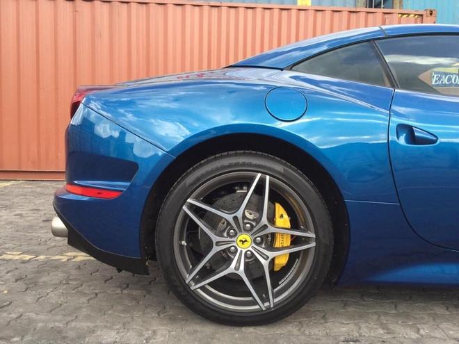Sieu xe Ferrari California T dau tien ve Viet Nam hinh anh 3