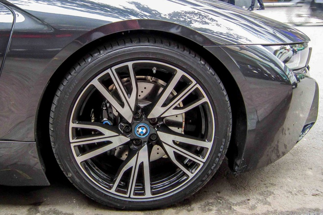 BMW i8 cua thieu gia 20 tuoi o Sai Gon hinh anh 7