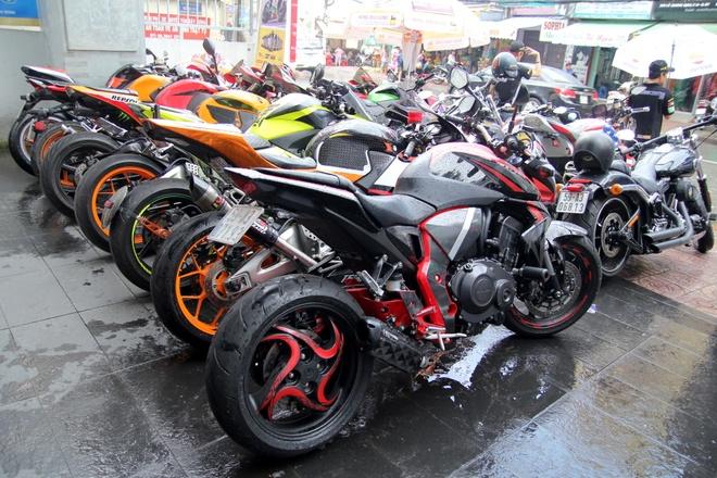 Yamaha R3 hoi ngo dan sieu moto tai Sai Gon hinh anh