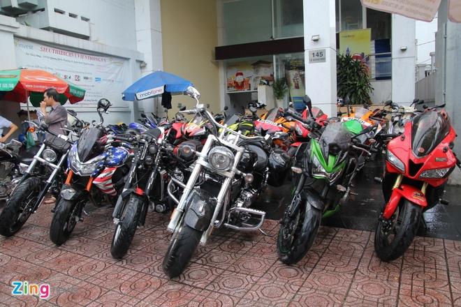 Yamaha R3 hoi ngo dan sieu moto tai Sai Gon hinh anh 1