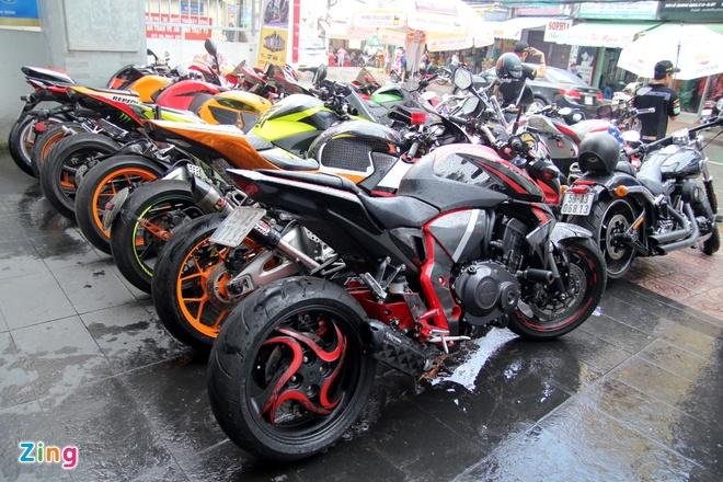 Yamaha R3 hoi ngo dan sieu moto tai Sai Gon hinh anh 2