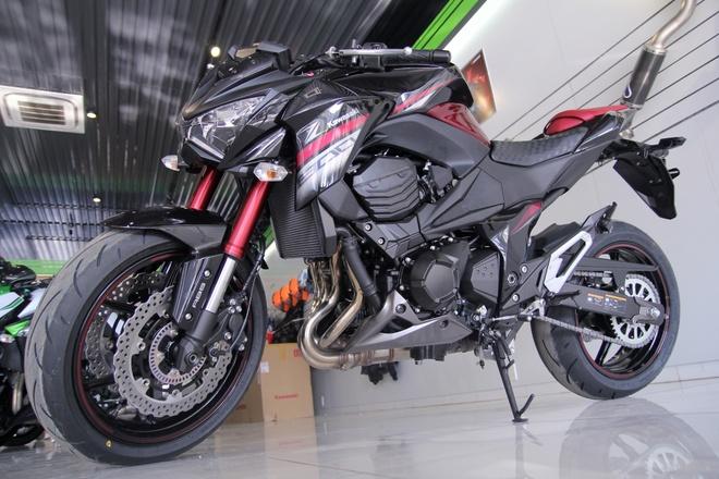 Kawasaki Z800 2016 mau do den dau tien ve VN, gia 275 trieu hinh anh