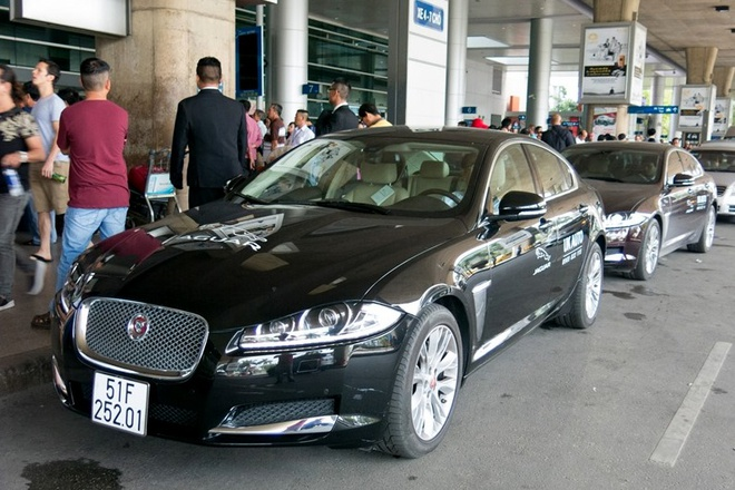 Ly Nha Ky dung xe sang Jaguar don Xa Thi Man hinh anh 1