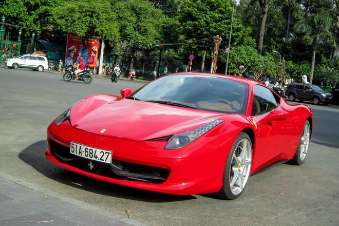 Ferrari cua thieu gia Phan Thanh tai xuat tren duong Sai Gon hinh anh