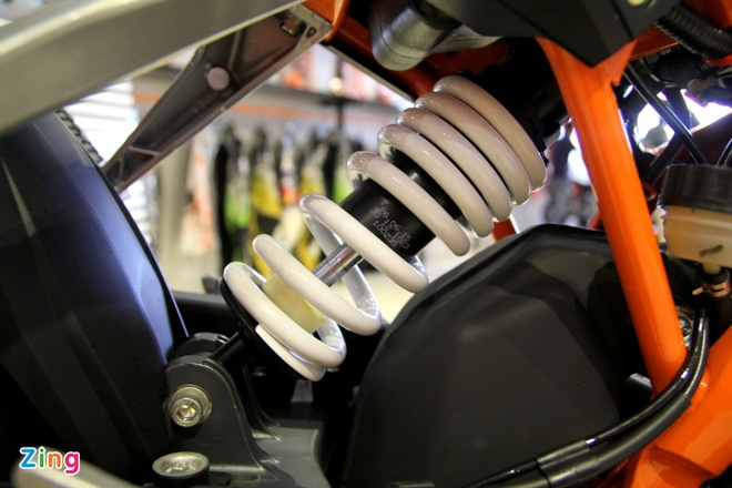 Chi tiet naked bike KTM 250 Duke vua ra mat tai Viet Nam hinh anh 8