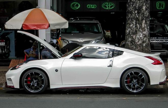 Xe the thao hang doc Nissan 370Z Nismo o Sai Gon hinh anh 2