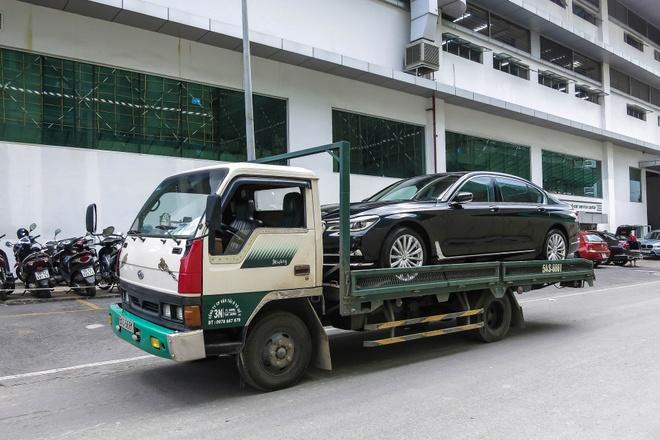 BMW 740Li doi moi dau tien ra bien so tai Viet Nam hinh anh 1