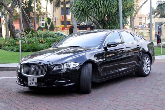 Trai nghiem xe sang Jaguar XJ o Sai Gon hinh anh