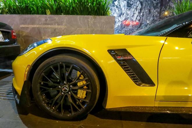 Sieu xe Corvette Z06 thu hai tai Viet Nam ra bien so trang hinh anh 7