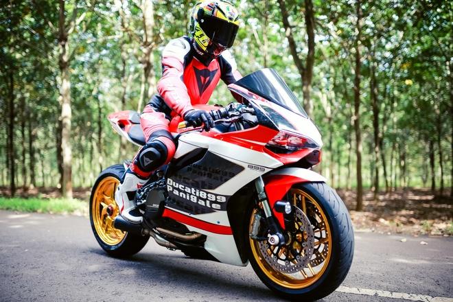Ducati 899 Panigale voi mam ma vang cua biker Dong Nai hinh anh
