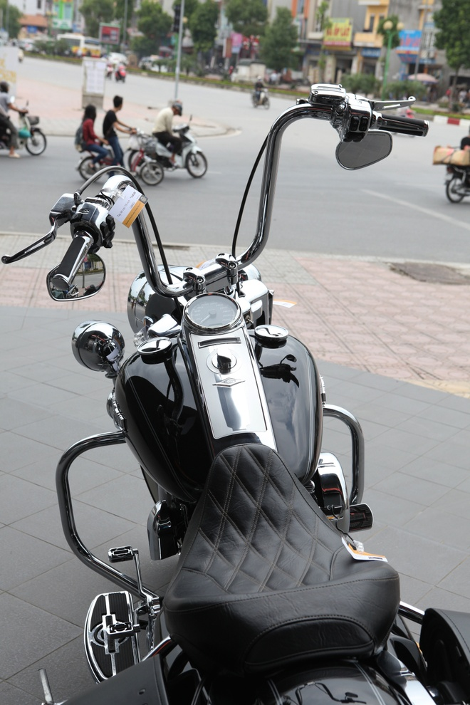 Harley Road King Classic gia hon 1 ty dong tai Viet Nam hinh anh 5