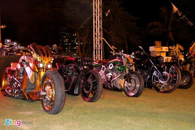 1.000 biker hoi tu o Sai Gon khoe xe Harley doc hinh anh 3