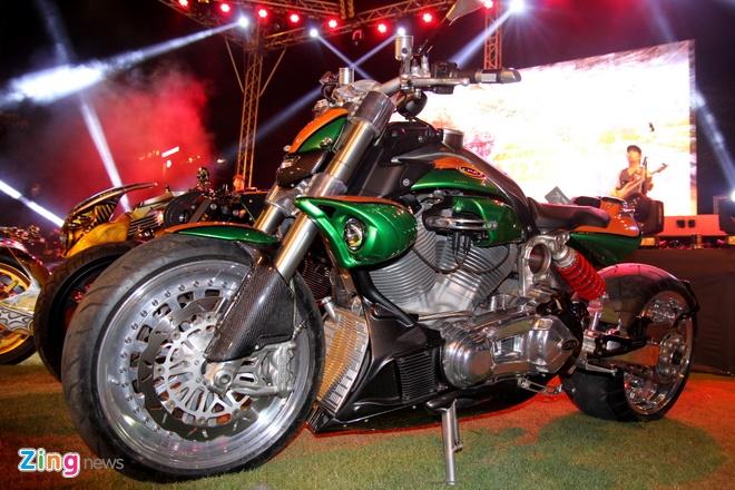 1.000 biker hoi tu o Sai Gon khoe xe Harley doc hinh anh 7