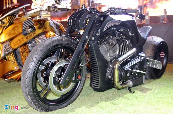 1.000 biker hoi tu o Sai Gon khoe xe Harley doc hinh anh 9