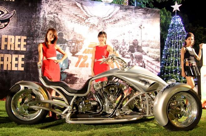 1.000 biker hoi tu o Sai Gon khoe xe Harley doc hinh anh