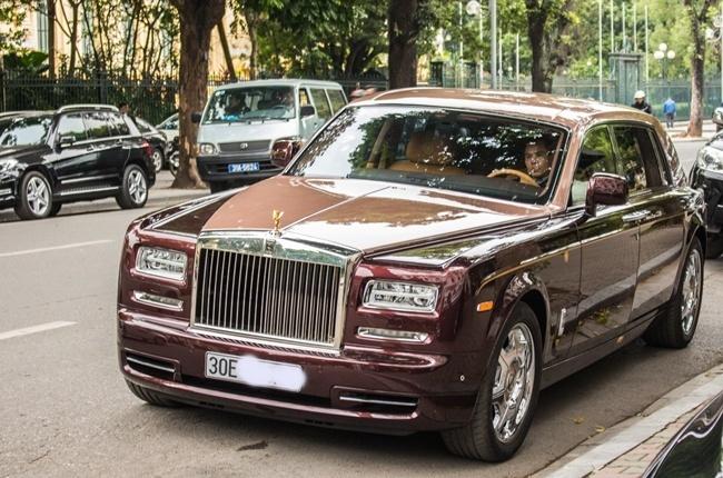 Rolls-Royce Phantom Lua Thieng 51 ty xuat hien o Ha Noi hinh anh