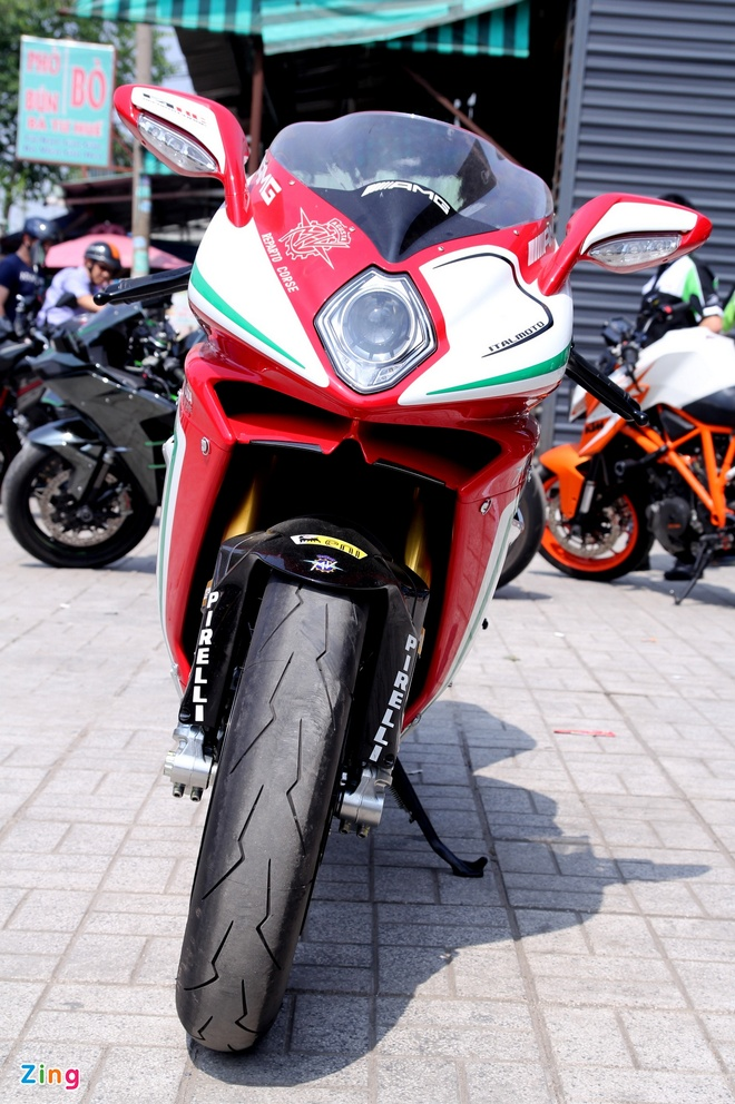 Sieu moto MV Agusta F4 RC doc nhat tai Viet Nam hinh anh 3