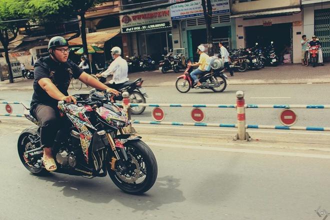 Kawasaki Z1000 do phong cach mafia Nhat cua biker Sai Gon hinh anh 9