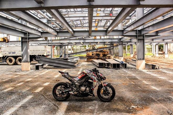 Kawasaki Z1000 do phong cach mafia Nhat cua biker Sai Gon hinh anh 2