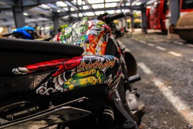 Kawasaki Z1000 do phong cach mafia Nhat cua biker Sai Gon hinh anh 6