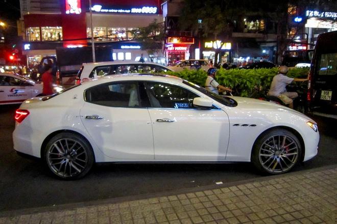 Xe sang Maserati Ghibli dau tien tai TP HCM hinh anh 2