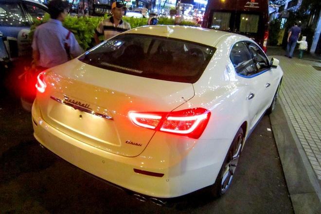 Xe sang Maserati Ghibli dau tien tai TP HCM hinh anh 3