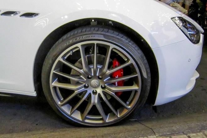 Xe sang Maserati Ghibli dau tien tai TP HCM hinh anh 5