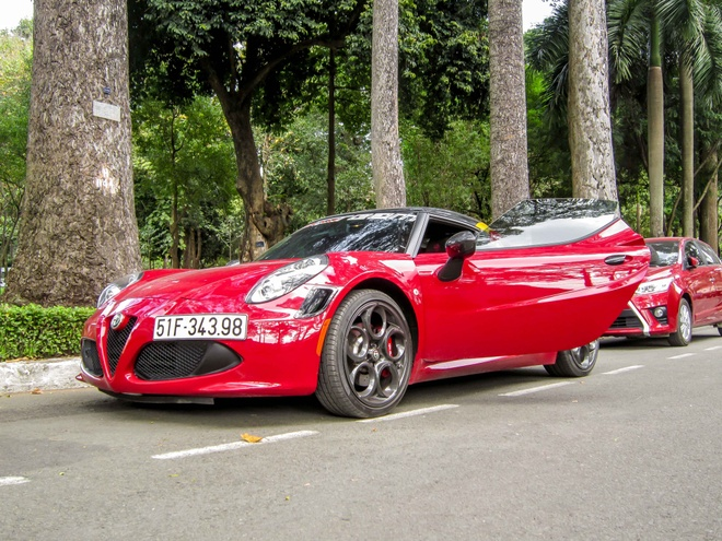 Chi tiet xe la Alfa Romeo 4C tai Sai Gon hinh anh