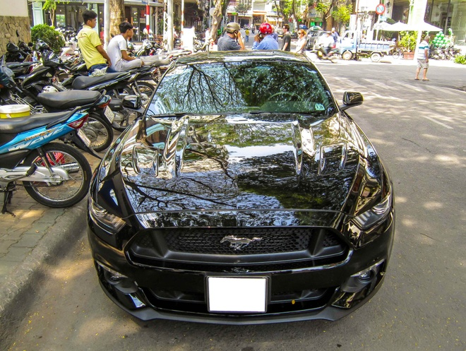 Xe the thao hang hiem Ford Mustang GT 2015 tai TP HCM hinh anh 2