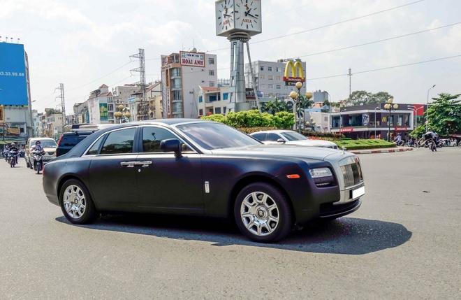 Xe sieu sang Rolls-Royce Ghost mau la xuat hien o Sai Gon hinh anh