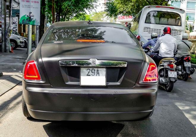 Xe sieu sang Rolls-Royce Ghost mau la xuat hien o Sai Gon hinh anh 4