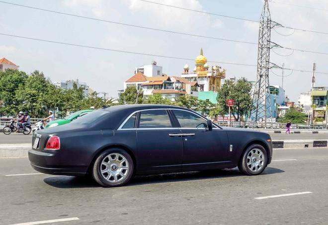Xe sieu sang Rolls-Royce Ghost mau la xuat hien o Sai Gon hinh anh 5