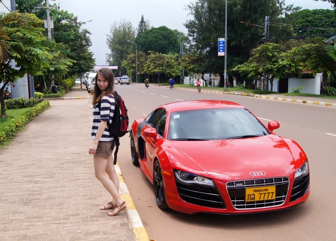 Xe hoi tai Lao re dang ke so voi Viet Nam hinh anh 2