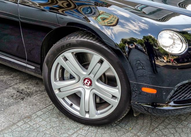 Sieu xe Bentley Continental GT V8 dau tien ra bien o Sai Gon hinh anh 7