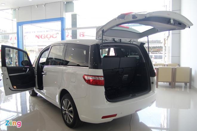 Luxgen M7 - doi thu Toyota Innova tai Viet Nam hinh anh 3