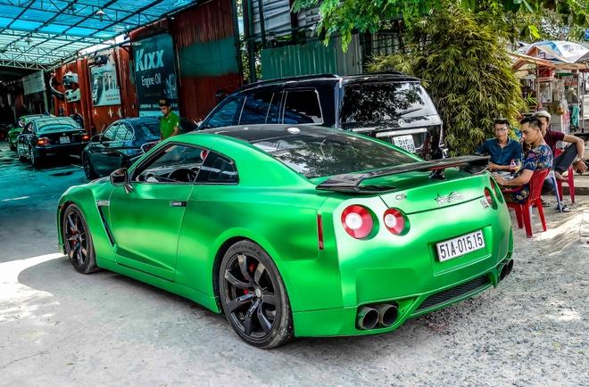 Xe the thao Nissan GT-R mau la o Sai Gon hinh anh 3