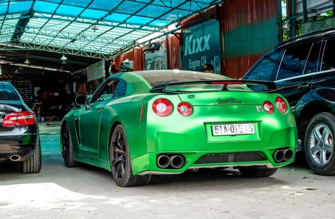 Xe the thao Nissan GT-R mau la o Sai Gon hinh anh 7