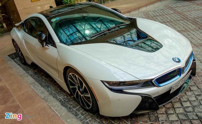 BMW i8 ben canh dan sieu xe cua dai gia Sai Gon hinh anh 4
